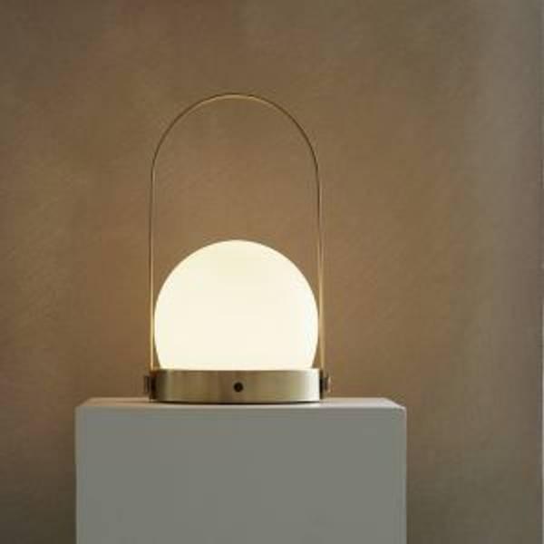 Bilde av Carrie LED lamp - Brushed Brass
