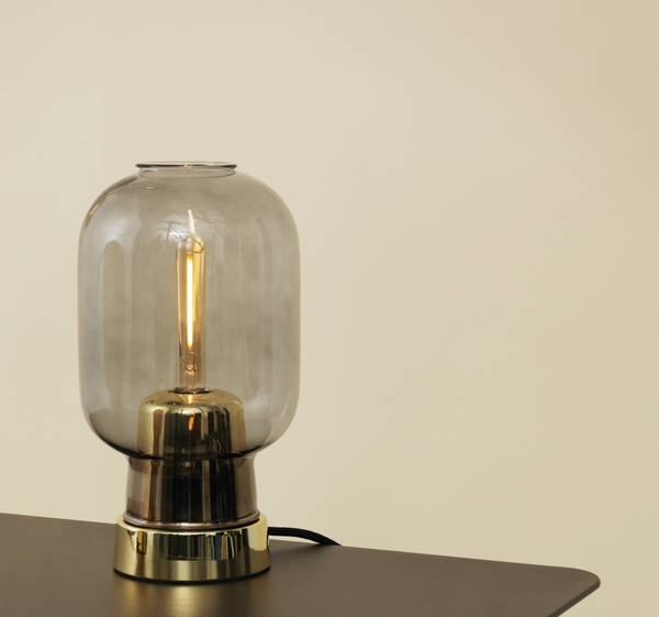 Bilde av Amp bordlampe - Smoke/Messing